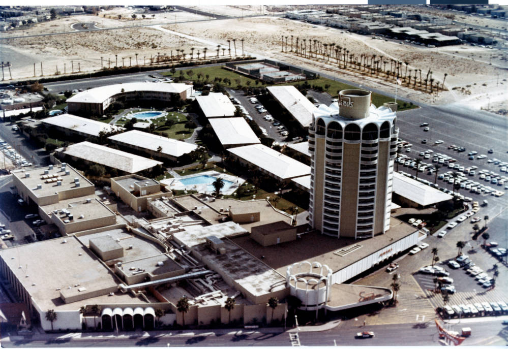 Aerial photograph of the Sands Hotel tower (Las Vegas), after 1967